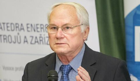 Jaderný expert František Hezoučký z Fakulty strojní ZČU získal státní vyznamenání