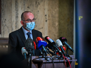 Ministr zdravotnictví navrhne vládě prodloužit nouzový stav o 30 dní