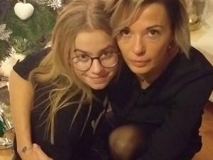 Třináctiletá Viktorka trpí nevyléčitelnou nemocí, kvůli které se jí v těle usazují nežádoucí látky