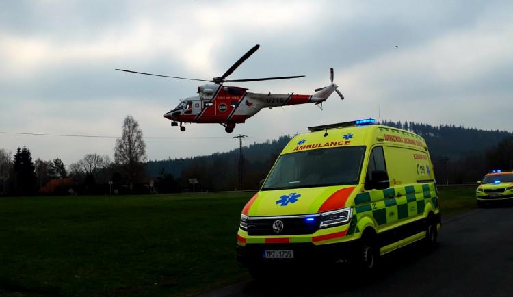 Nezletilá dívka vypadla z nezjištěných příčin z okna a utrpěla vážné zranění