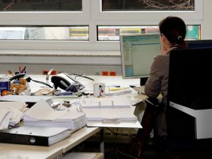 Počty nezaměstnaných mírně rostou, přibyli i zahraniční pracovníci