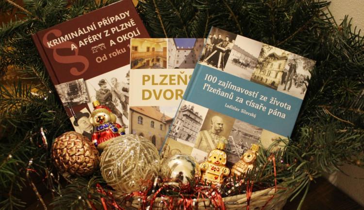 Tři nové publikace nakladatelství Starý most mapují historii Plzně, čtenáře zavedou i na místní dvorky