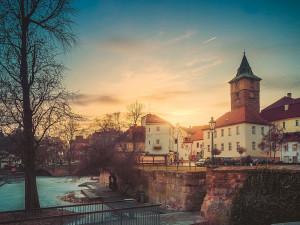 Počet obyvatel v Plzeňském kraji mírně roste jen díky těm, kteří se přistěhují