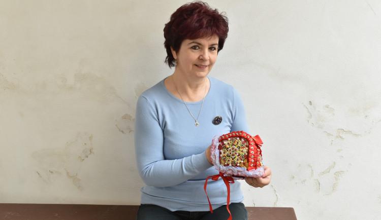 Nošení lidového kroje je jednou z možností, jak si uchovat odkaz předků, říká švadlena Marie Kopecká