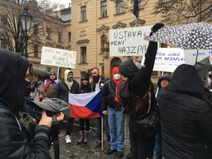 Protestní hnutí ve volbách určitou šanci má, shodují se politologové