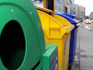 Jaká je budoucnost žlutých kontejnerů? K omezení třídění plastů není důvod, uklidňuje obalová společnost