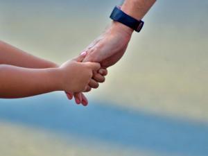Změna vpředávání dětí u rozvedených párů, povinnost střídat mění zažitou praxi