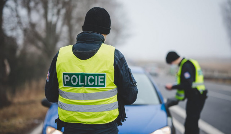 Osmnáctiletý motorista už dokázal nasbírat rekordních pět zákazů řízení a stále jezdí
