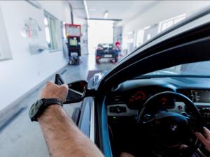 Platnost propadnutých řidičských průkazů a STK se prodlužuje o deset měsíců