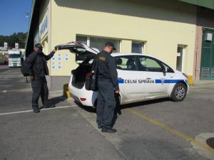 Firma vyrábějící palety na severním Plzeňsku zaměstnávala nelegálně 18 cizinců