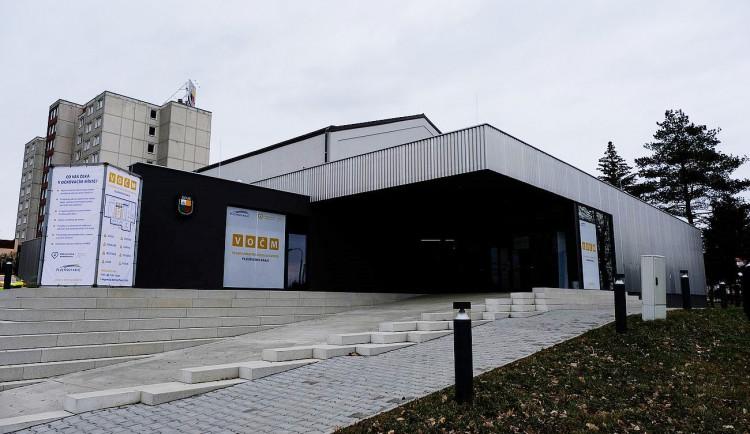 Velkokapacitní očkovací centrum Plzeňského kraje zahájilo pravidelný provoz na čtyři dny v týdnu