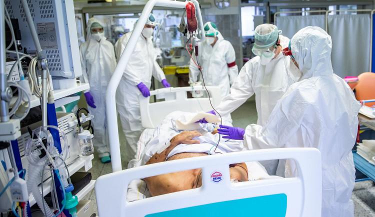 V nemocnicích v Plzeňském kraji se zpomalil pokles počtu pacientů s covidem
