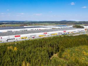 Tisíce zaměstnanců shánějí továrny v průmyslových zónách na území Plzeňského kraje