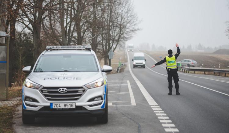 Nerespektování mimořádných opatření zjistili policisté v Plzeňském kraji u 2,5 procenta kontrolovaných řidičů