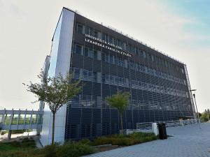 Lékařská fakulta v Plzni už přijala bez zkoušek 133 studentů, stojí za tím covid