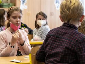 Po čtyřech měsících se také vrátili do Masarykovy školy v Plzni žáci 6. a 7. tříd