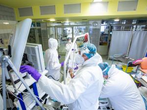 Prodělaným covidem problémy nekončí, do FN Plzeň se vracejí pacienti s dalšími obtížemi