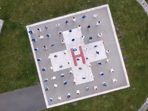 Záložní heliport FN Plzeň se proměnil v taneční parket