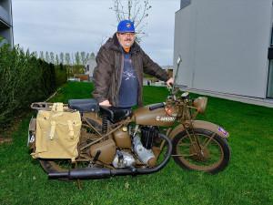 Válečná motorka se z bojiště v Itálii po letech dostala do Česka, teď má premiéru na Slavnostech svobody