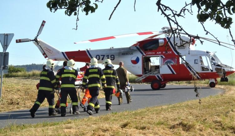 Složky IZS zasahovaly dopoledne u dvou vážných nehod s větším počtem zraněných
