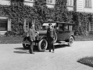 První luxusní Škodovka vznikla v Plzni, slavnostně si ji převzal prezident Masaryk