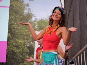 Divoké, intenzivní a uvolněné, říká o afrických tancích lektorka a psychoterapeutka Marie Fialová