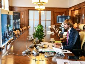 Arenberger rezignuje na pozici ministra zdravotnictví, nahradí ho Adam Vojtěch, jeden z jeho předchůdců