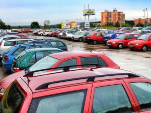 Radní Plzně odklepli přestavbu parkoviště na náměstí Emila Škody, stát bude 19 milionů