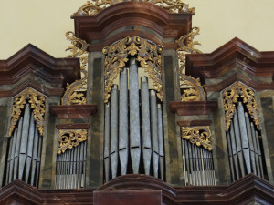 Vzácné varhany opět rozeznívají kostel v Manětíně, nadšenci o jejich záchranu bojovali deset let