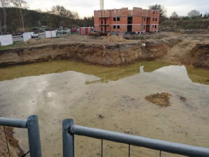 Co si myslí zastupitelé Plzně o nelegálním odvodupodzemní vody z bytových domůkolem Boleváku?