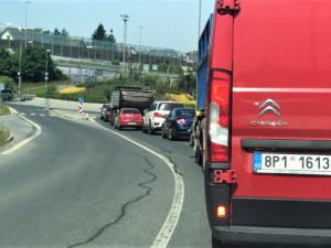Dopravní kolapsy v Plzni způsobují často zhotovitelé staveb, kteří neinformují o plánovaných uzavírkách