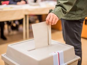 Kandidátky do sněmovních voleb zatím podaly v Plzeňském kraji jen čtyři subjekty
