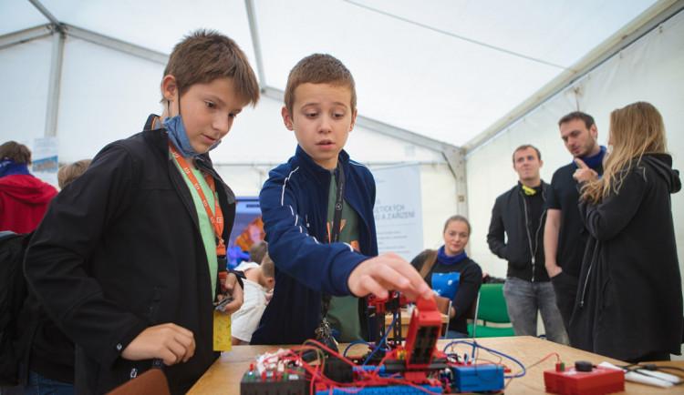 Tajemství vědy a techniky bude i letos na plzeňském náměstí Republiky odhalovat oblíbený festival ZČU