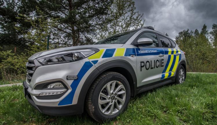 Policisté dopadli notorického onanistu, před ženami se nejčastěji ukájel u autobusové zastávky