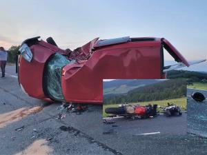 Motorkář zahynul po střetu s dodávkou, její řidič v protisměru mu při odbočování vlevo nedal přednost