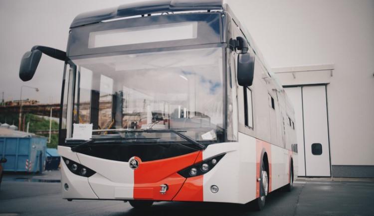 Na zkušební jízdu do ulic Plzně vyjede první elektrobus pro pražský dopravní podnik