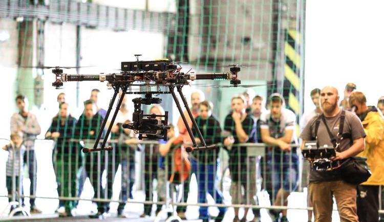 Oblíbený festival bezpilotního létání je zpět, své drony představí také armáda