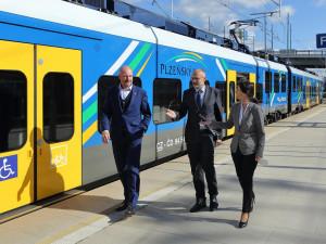 Na trati z Plzně do Karlových Varů jezdí čtyři nové elektrické vlakové soupravy
