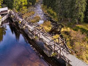 Odložená oprava šumavského mostu poblíž Modravy začne ještě letos, pro turisty se uzavře 18. října