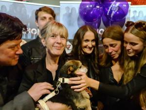 Rockeři hrají pro opuštěná zvířata, klip Šampión vypráví příběh psa z množírny
