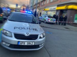Policisté už vypátrali automobil, kterým byl brutálně sražen chodec, řidič zatím spravedlnosti uniká