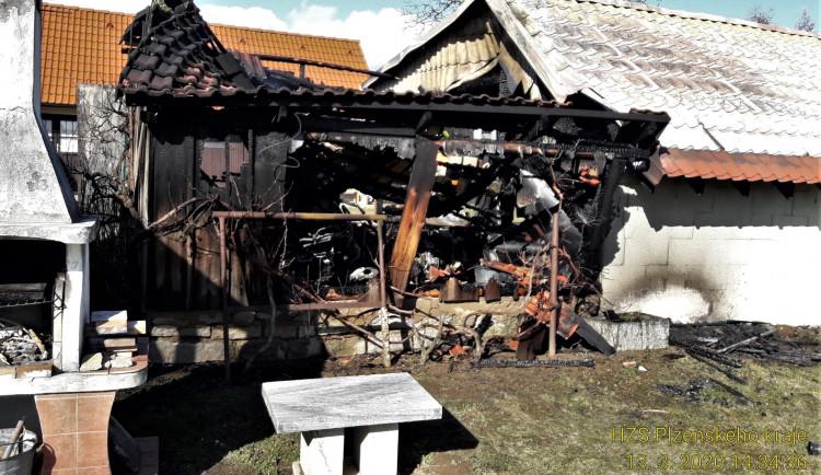 FOTOGALERIE: Požár kůlny na Klatovsku