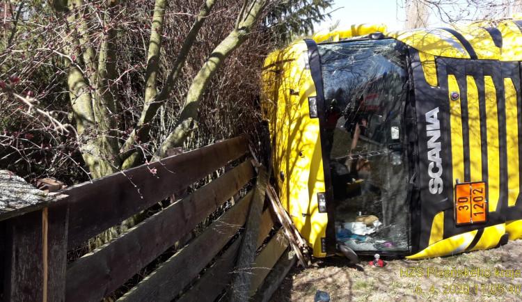 FOTOGALERIE: Nehoda dvou kamionů