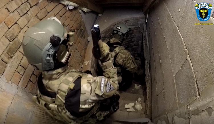 FOTOGALERIE: Zadržení členů polského gangu