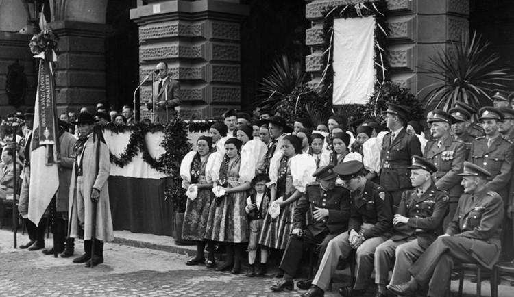 FOTOGALERIE: Oslavy osvobození americkou armádou před rokem 1990 na západě Čech